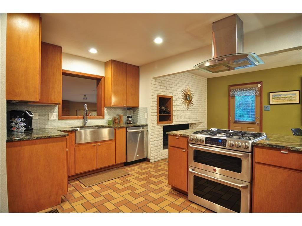 1120 Easton Kitchen 2