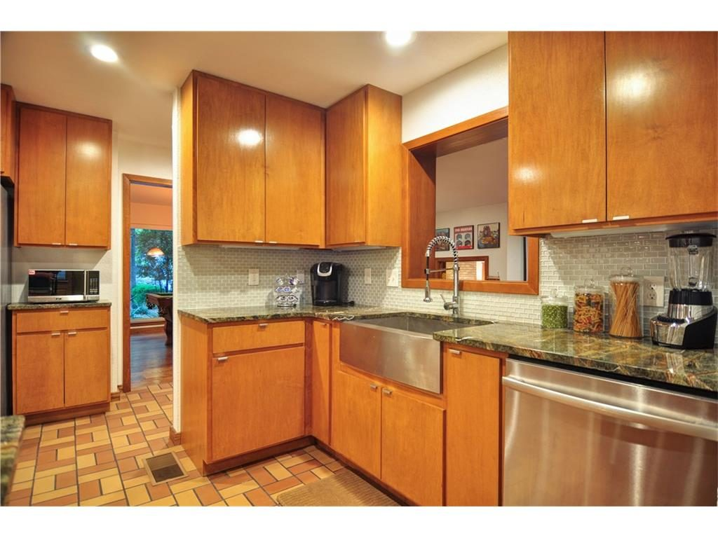 1120 Easton Kitchen 1