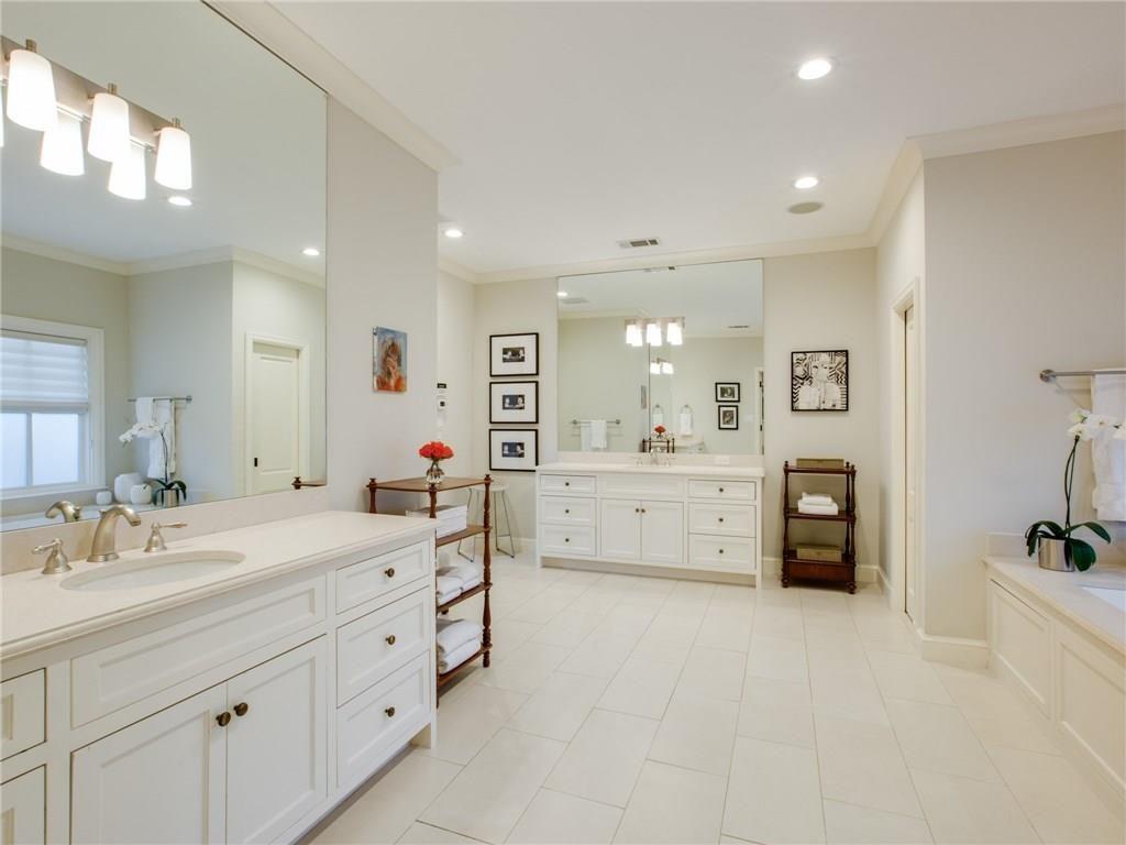 3505 Harvard Avenue Master Bath