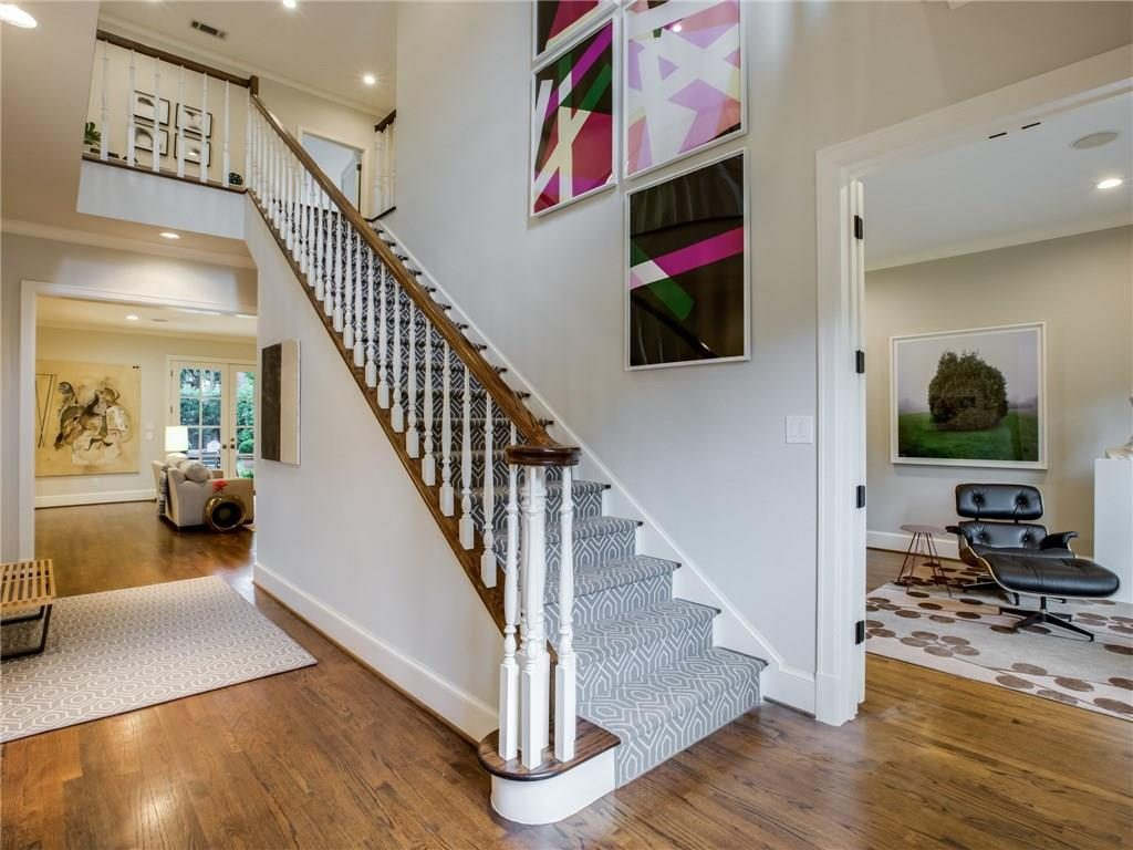 3505 Harvard Avenue Stairs