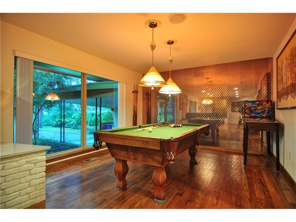 1120 Easton Billiards