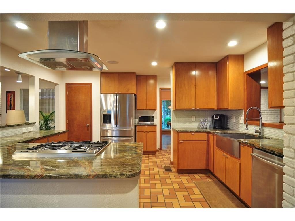 1120 Easton Kitchen 3