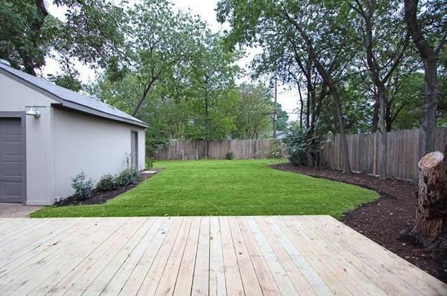 1122 Brunner Backyard 2