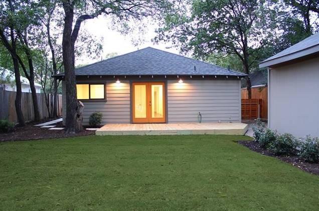 1122 Brunner Backyard
