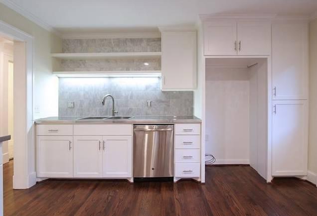 1122 Brunner Kitchen 2