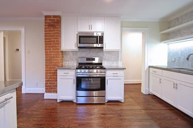 1122 Brunner Kitchen 4