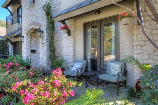 5332 Miller Front Porch