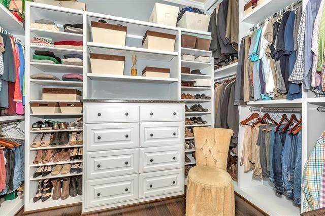 5332 Miller Master Closet
