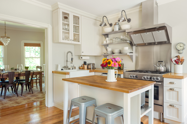 6 White and Wood Kitchens
