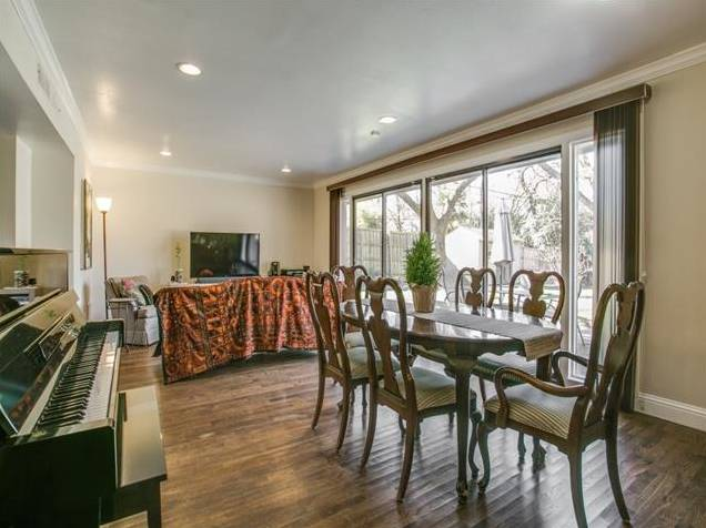 907 Tipperary Dining Living 2