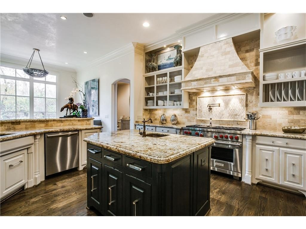 6809 Golf Kitchen Range view
