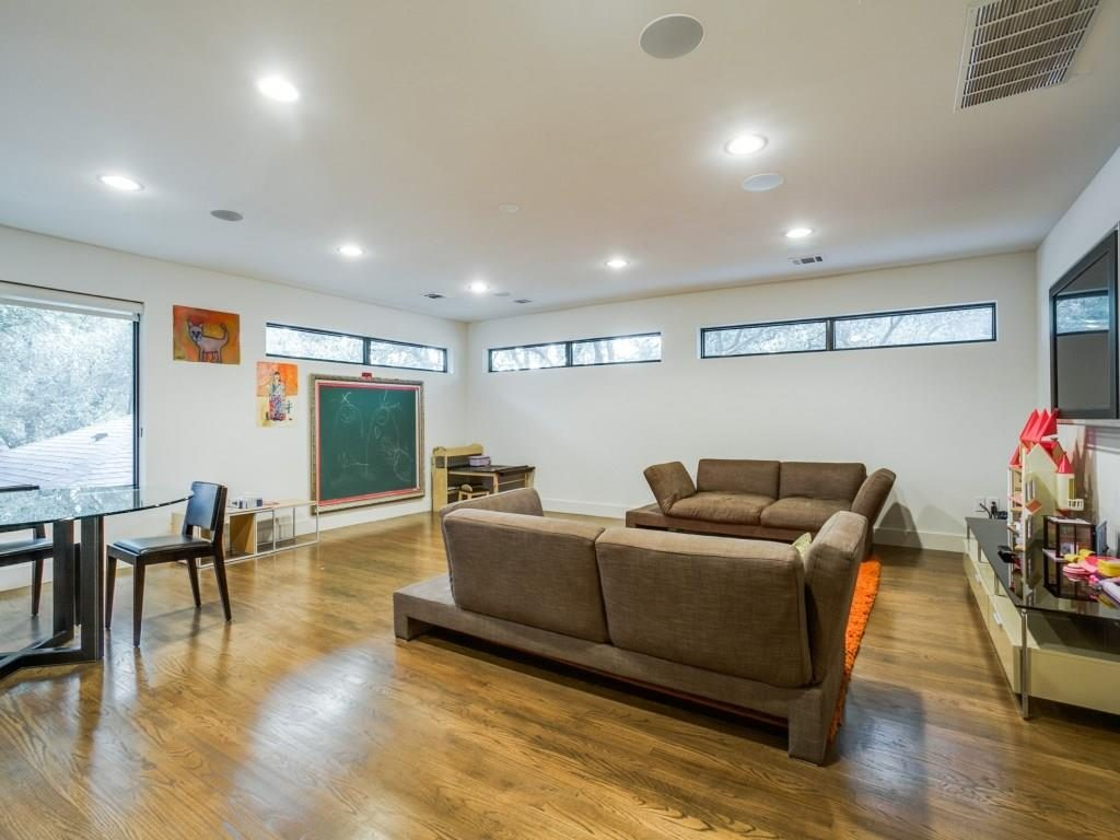 11414 Parkchester Drive Game Room