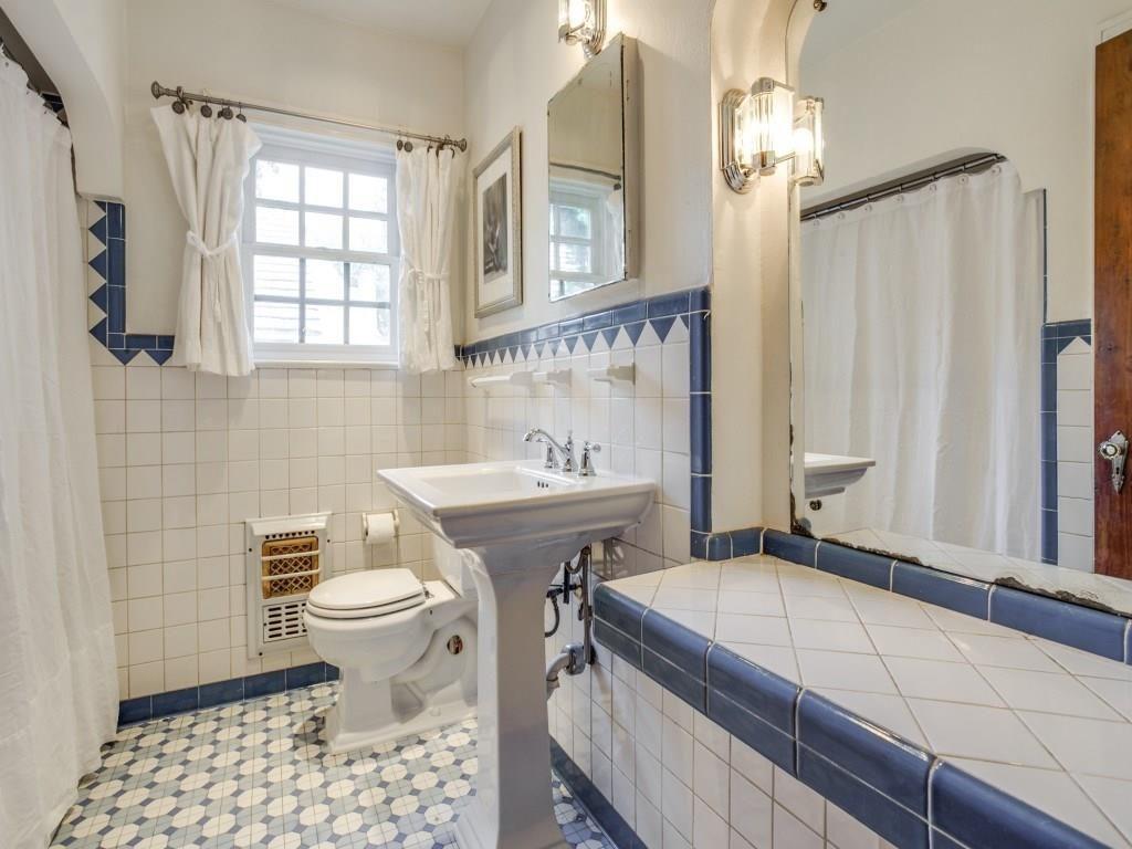 914 Cordova Bath