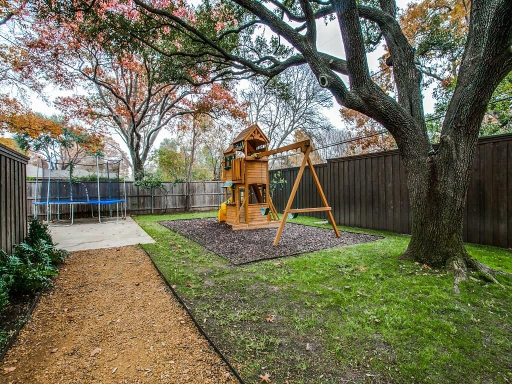 11414 Parkchester Drive playscape