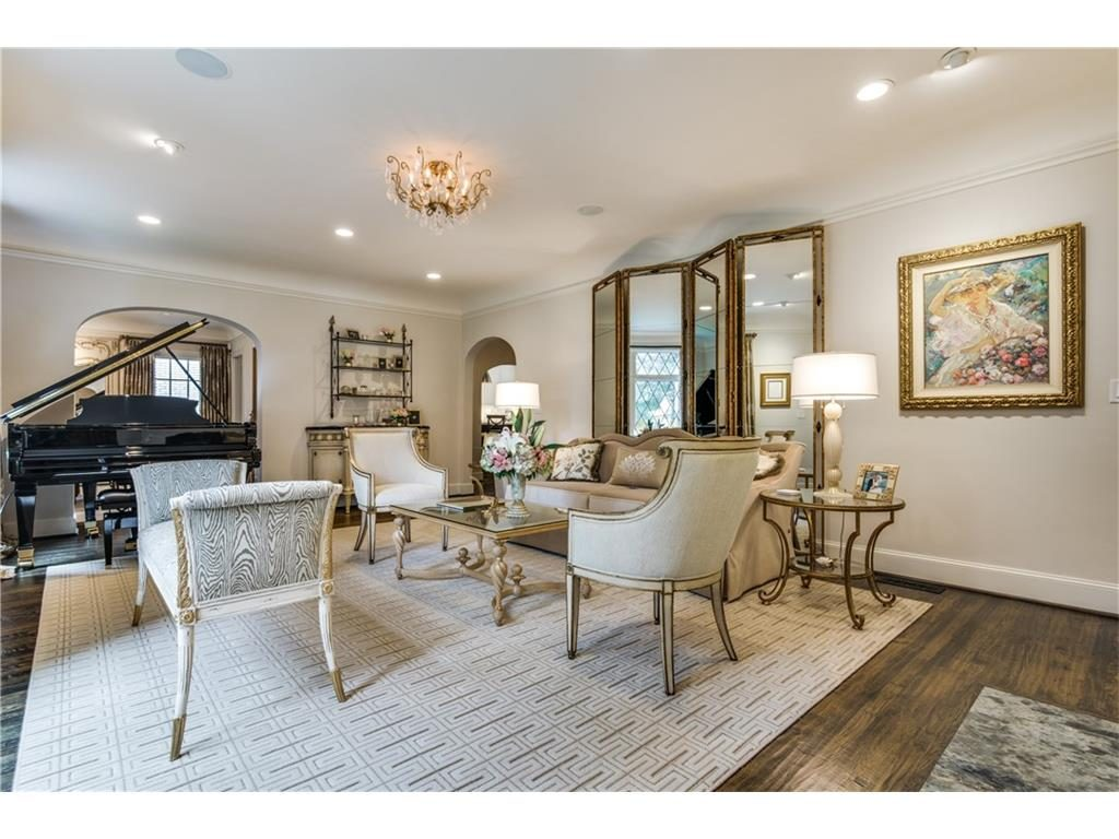 4416 Beverly Drive Formal Living Piano