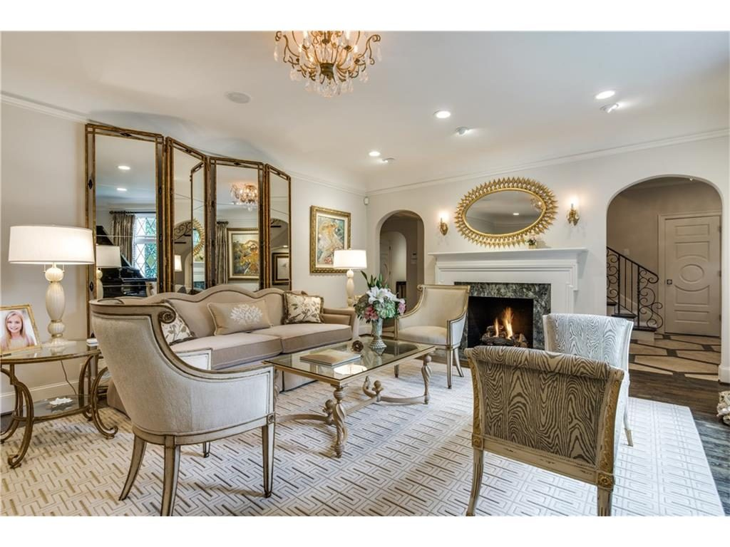 4416 Beverly Drive Formal Living Fireplace