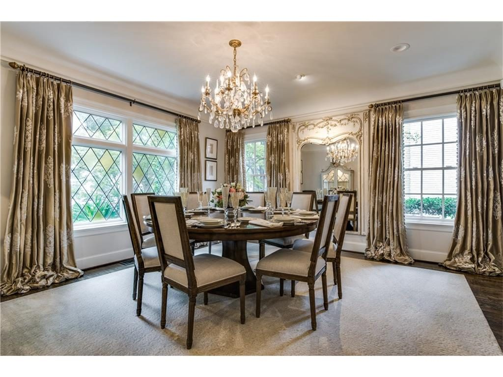 4416 Beverly Drive Formal Dining