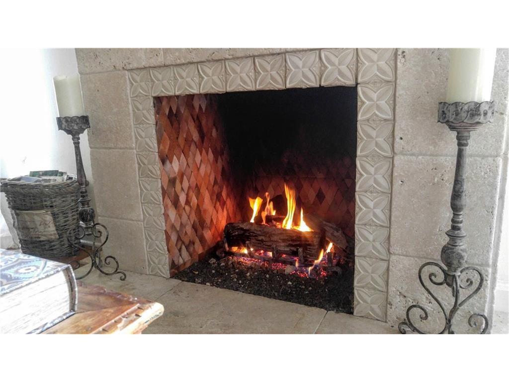 914 Cordova CU Fireplace