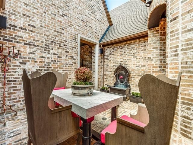 12020 Sand Hill Dining Courtyard 2