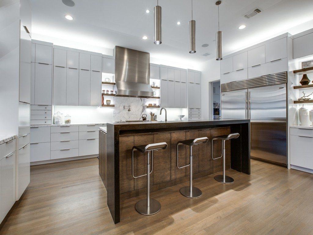 Southlake Contemporary kitchen 11312-fanning-st-southlake-tx-MLS-11