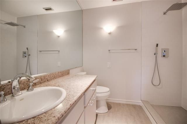 3220 Oliver Ave. Shower Bath