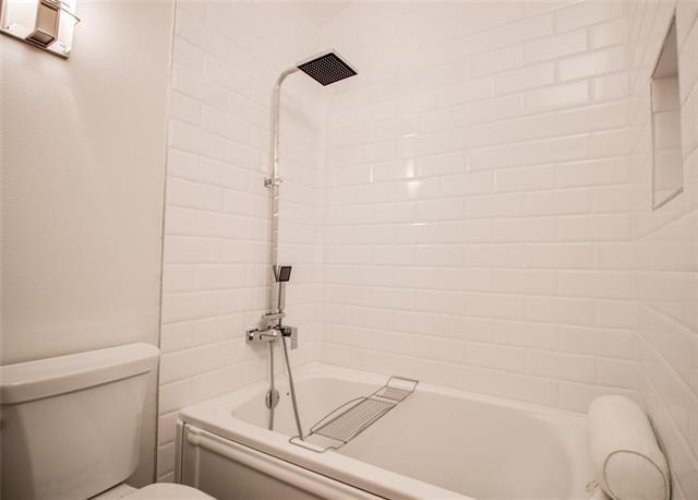 3220 Oliver Ave. master bath