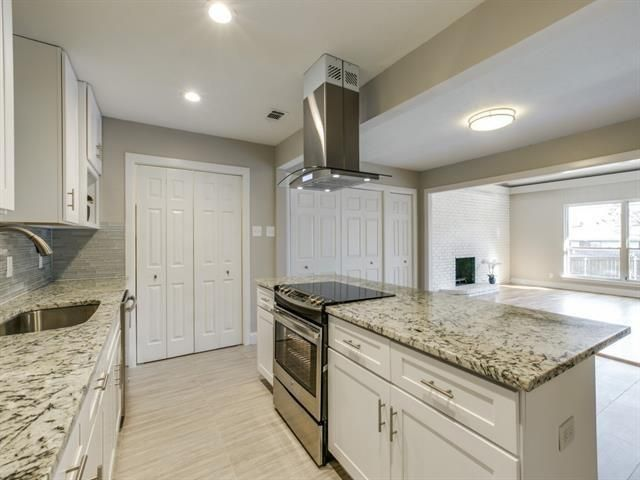 3822 Treeline - Kitchen 2