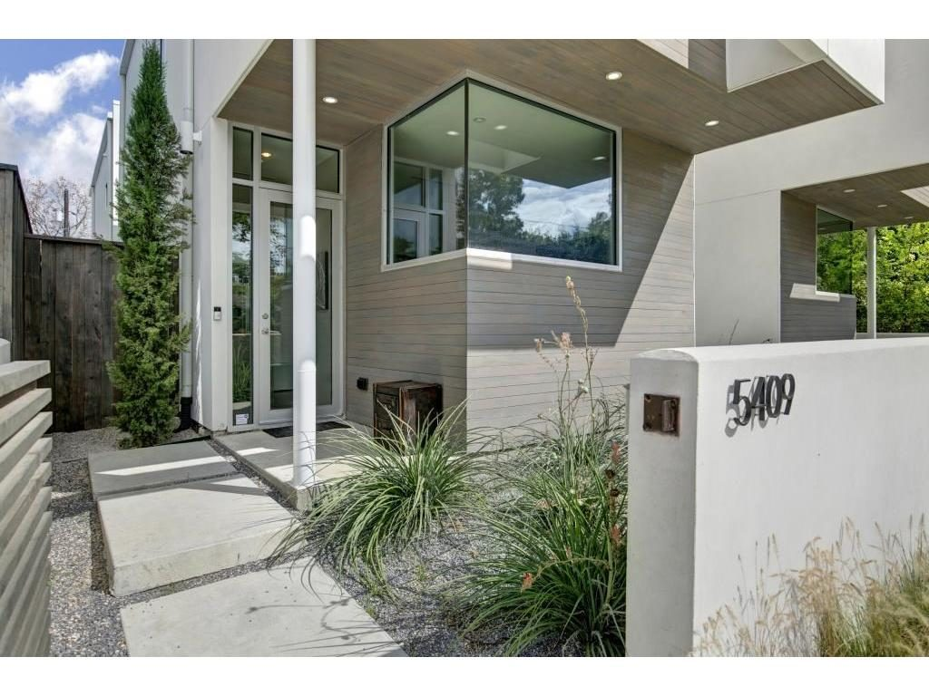 Vickery Place Modern Townhouse exterior 5409 Melrose