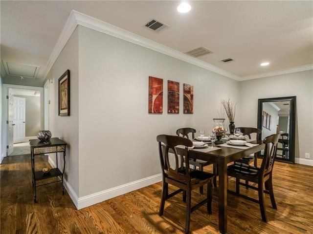 9927 Lenel Place dining