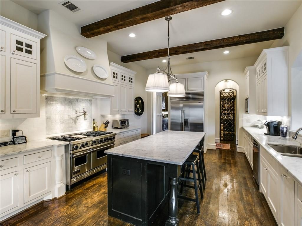 6410 Woodland Drive Kitchen 2