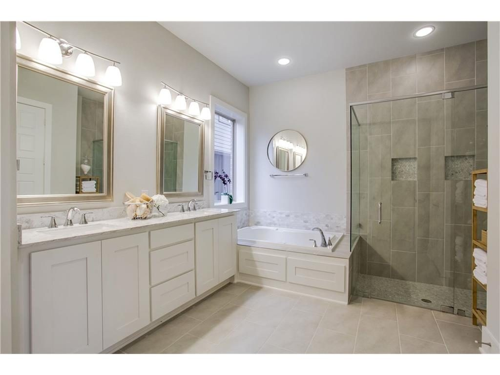 6111 Lakeshore Drive master bathroom-14