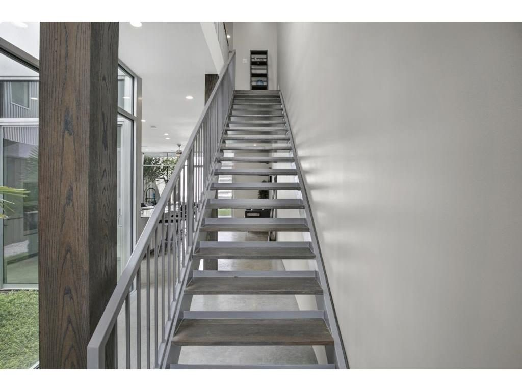 Vickery Place Modern Townhouse cu stairs.ashx