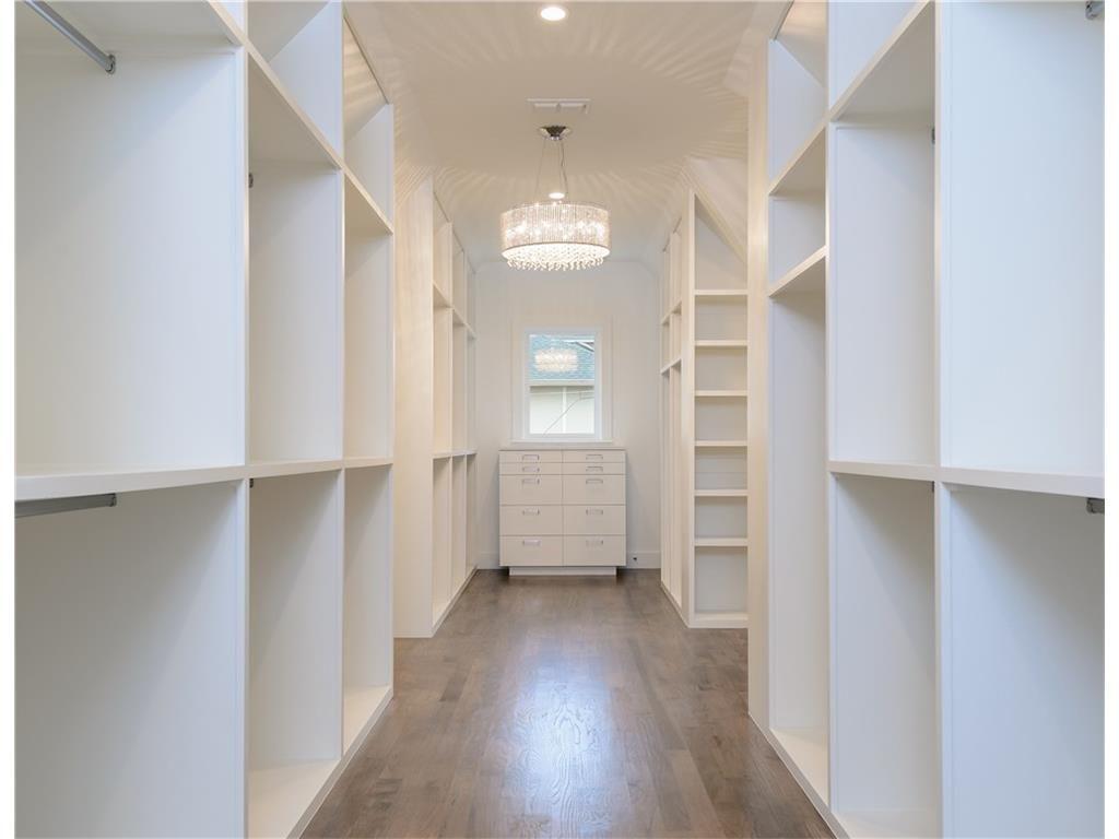 4216 San Carlos Street Her Closet.ashx