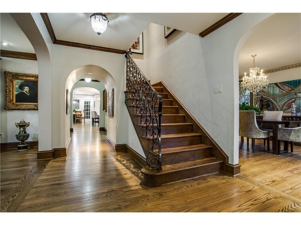 Iconic Lakewood Estate by Charles Dilbeck stairs.ashx
