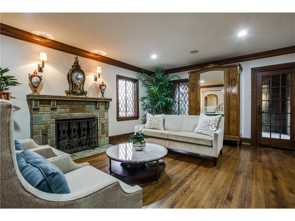 Iconic Lakewood Estate by Charles Dilbeck fireplace.ashx