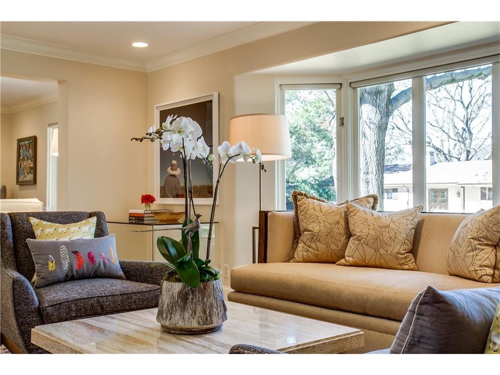 Mockingbird Park 3910 Fairfax Living 3.ashx