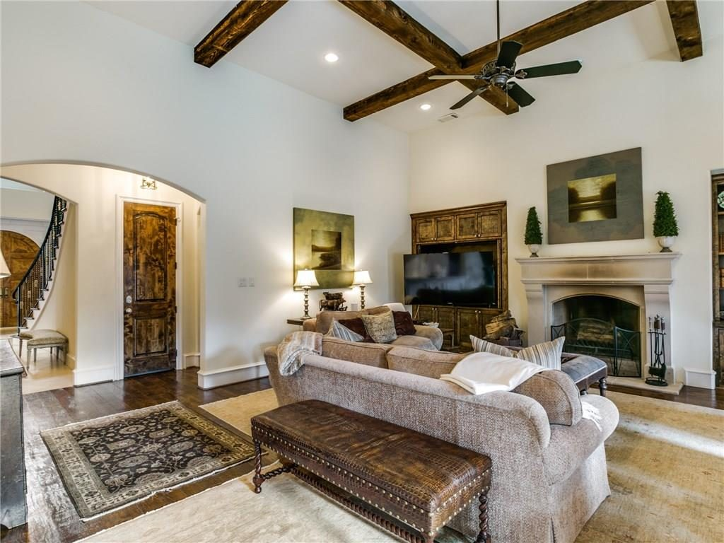 6410 Woodland Drive Family overview