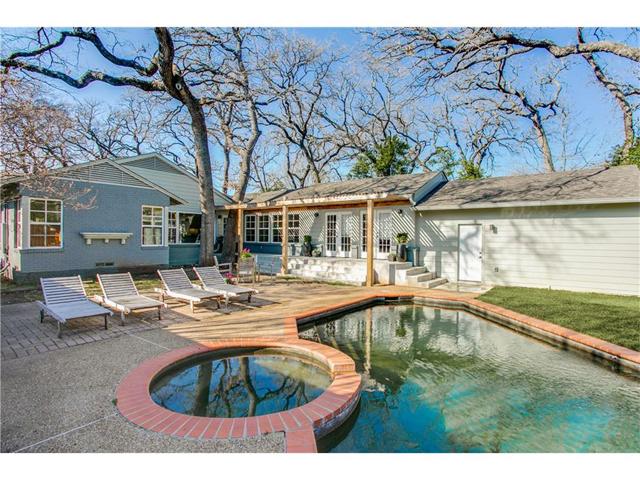 1518 Oak Knoll Backyard
