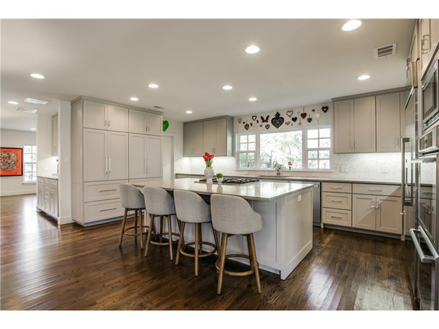 1518 Oak Knoll Kitchen