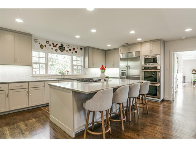 1518 Oak Knoll Kitchen2