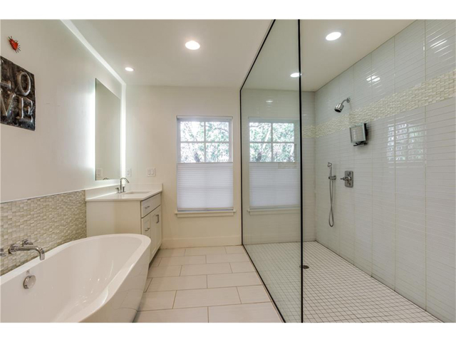 1518 Oak Knoll Master Bath 2