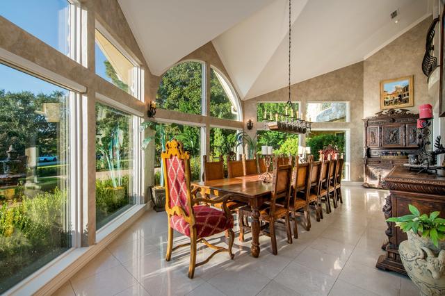 4 - Dining Room