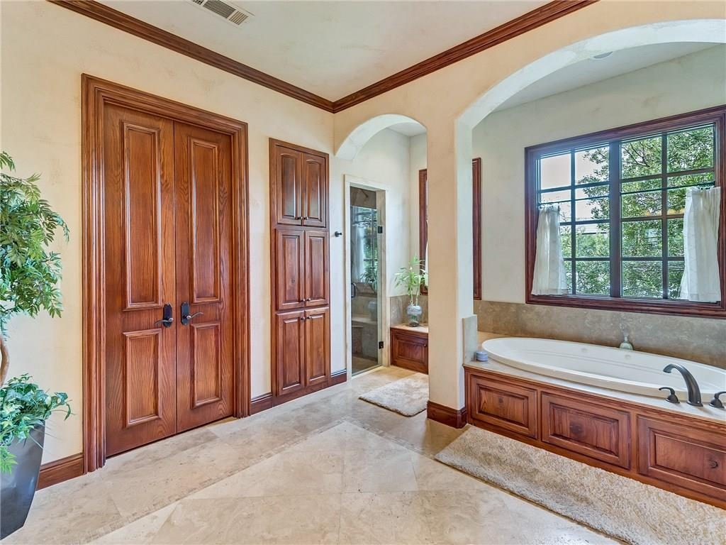 4649 Saint Laurent Ct master bath1