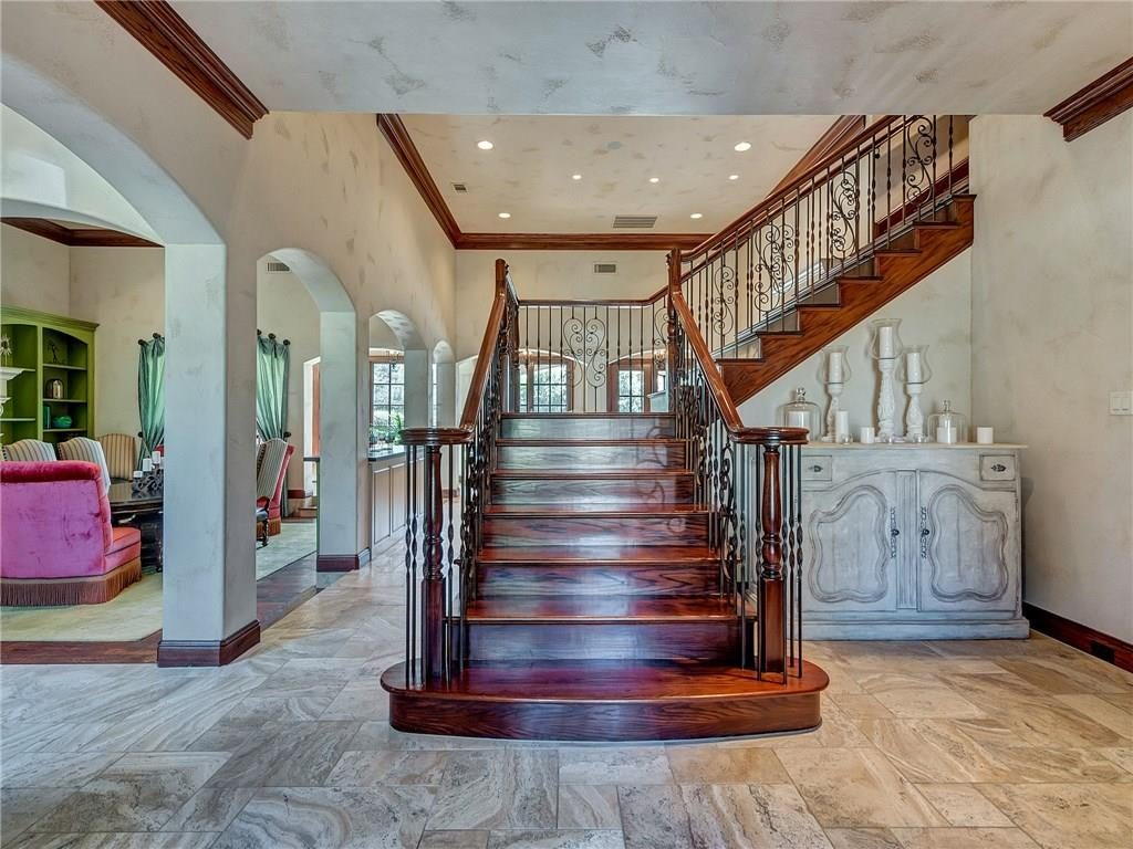4649 Saint Laurent Ct staircase