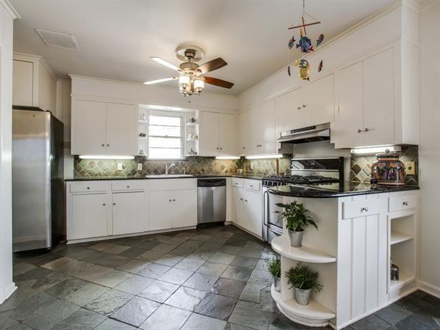 816 Monte Vista Kitchen