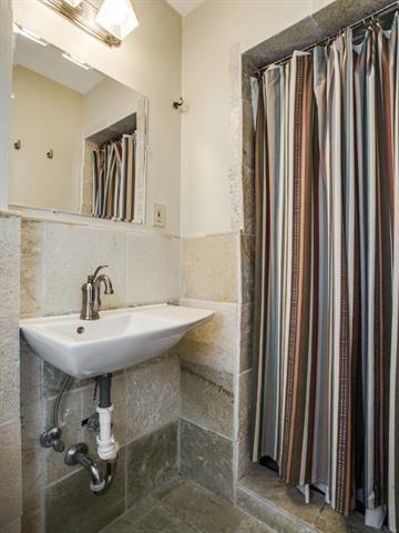 816 Monte Vista master bath