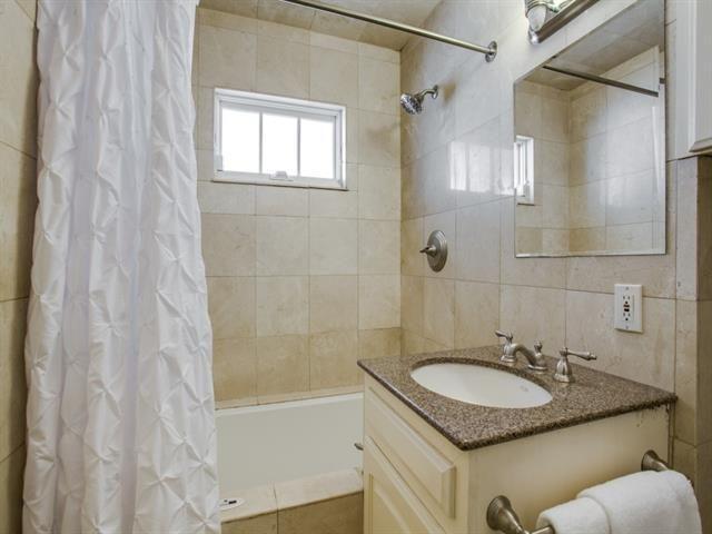 816 Monte Vista third bath