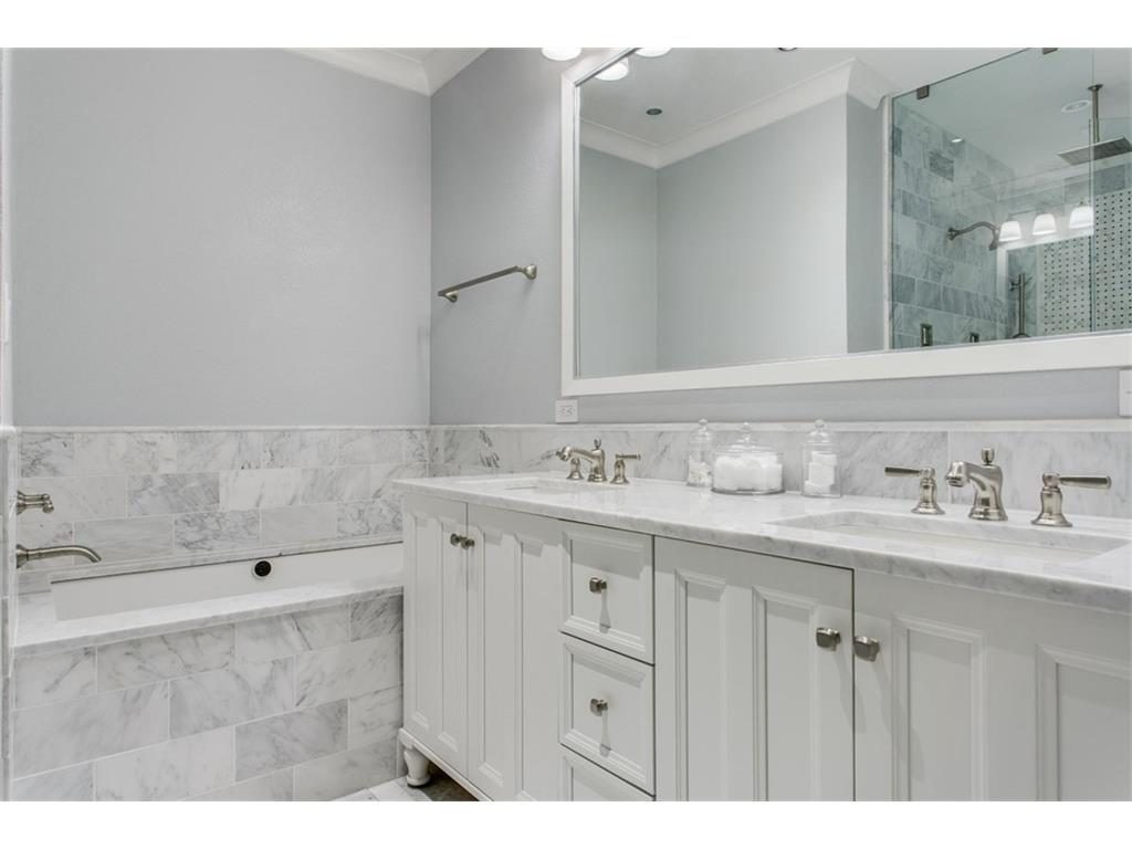 Secluded Hollywood Heights Tudor master bath 2.ashx