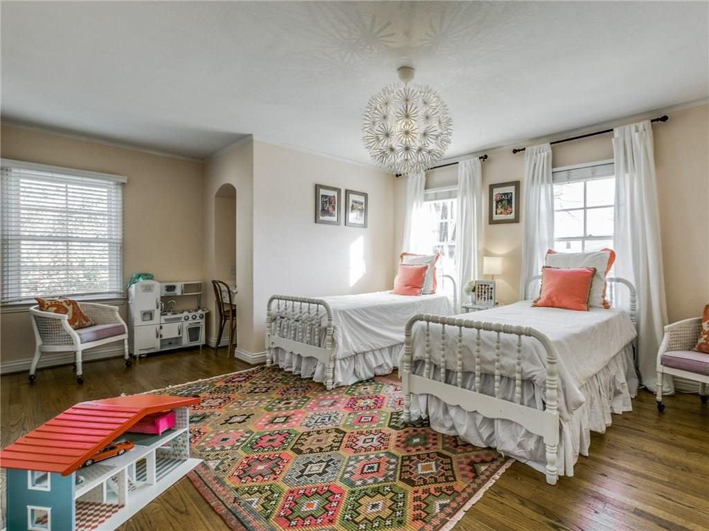Cape Cod twin bedroom.ashx