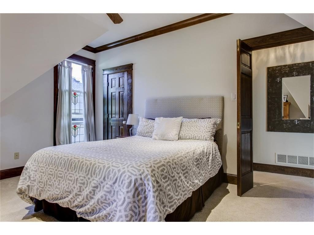 Secluded Hollywood Heights Tudor guest.ashx